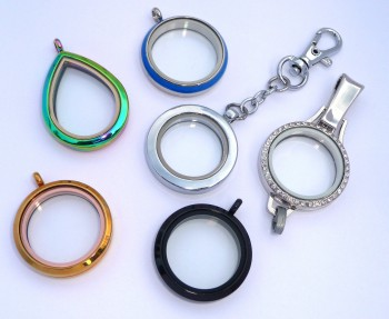 AX199 Assorted Lockets with Chain