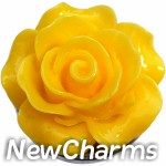 GS608 Enamel Yellow Flower Snap Charm