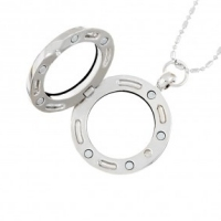 25mm round locket clearance